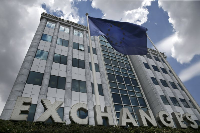 © Reuters.  Greece stocks higher at close of trade; Athens General Composite up 2.51%