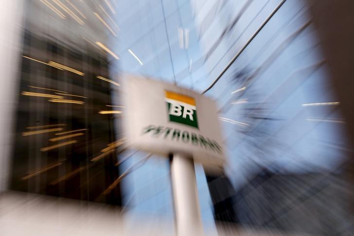 © Reuters.  ENFOQUE-Petrobras se articula para enfrentar novo inimigo: ladrões de combustível