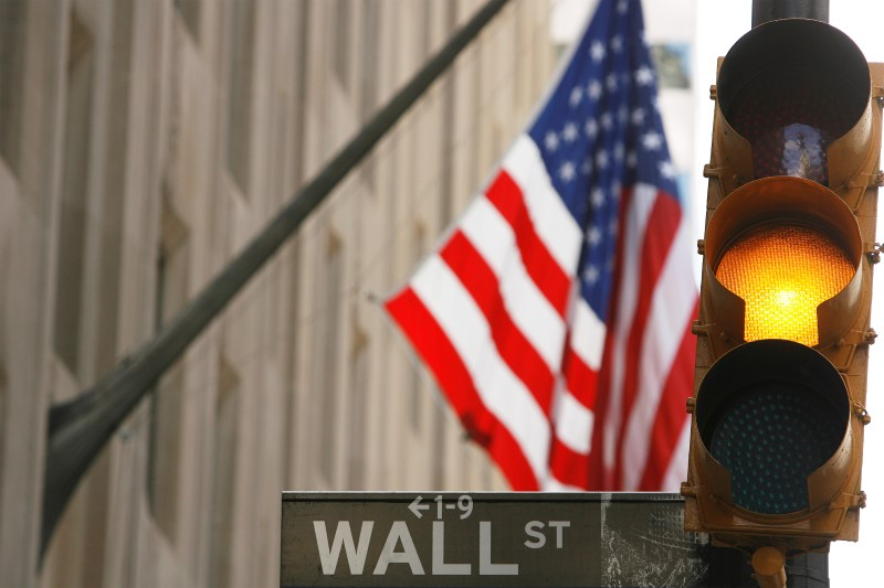 © Reuters.  U.S. futures point to mixed opening bell on Thursday.