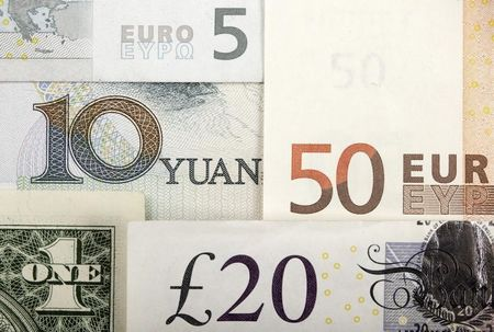 Рубль и ОФЗ открыли летний сезон ростом за счет risk-on вопреки проблемам США
