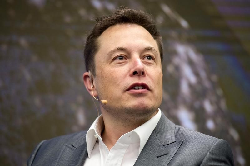 Илон Маск «обеднел» на$5млрд засутки