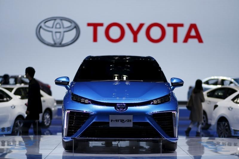 © Reuters.  Toyota U.S. sales fall short of estimates