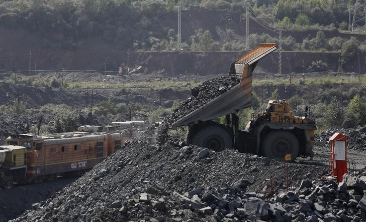 China's iron ore imports rise in July despite pollution curbs