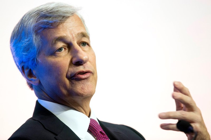 © Reuters. Jamie Dimon admits he