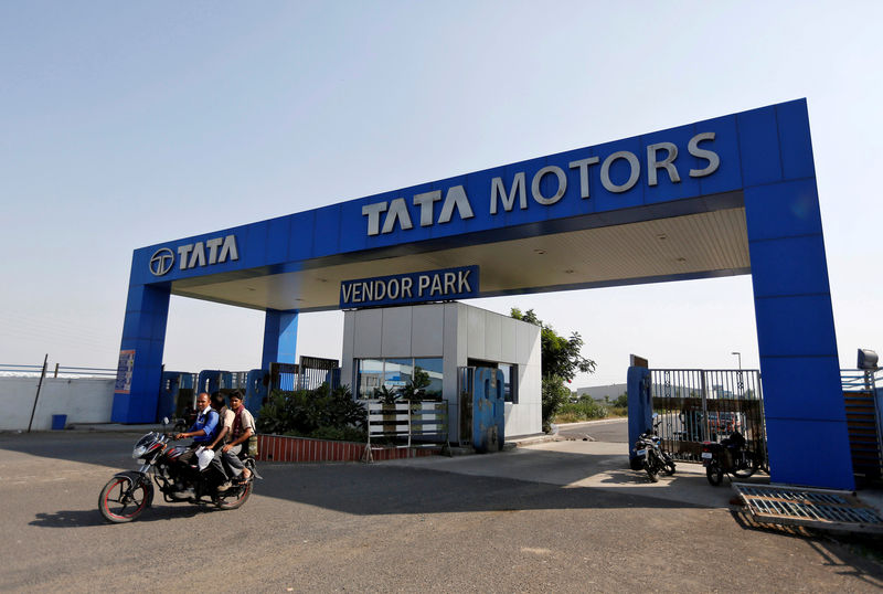 © Reuters.  BRIEF-Tata Motors says Tata Motors Group Oct global wholesales, including JLR, up 2.7 pct