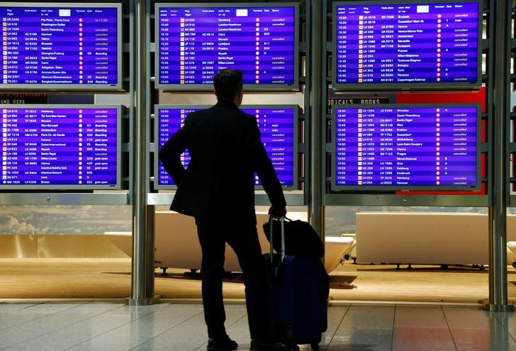FIRMEN-BLICK-Fraport senkt Passagier-Prognose für Airport Frankfurt Vo
