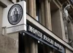 Mps tracolla ai minimi storici. Banche deboli