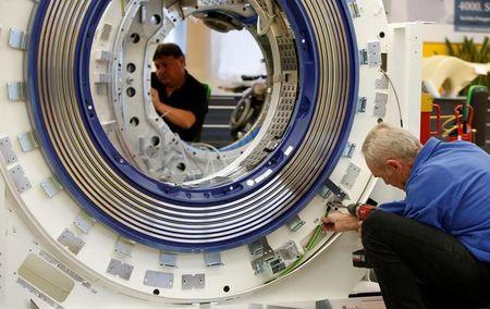 Italia, Prometeia vede produzione industriale trim3 -0,5%, stagnazione in trim4