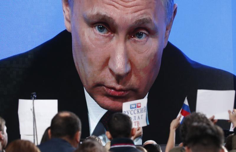 © Reuters.  Деятельность Путина вызывает одобрение почти 63% россиян - опрос