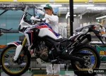 भारत ने स्कूटर, बाइक निर्माताओं से इलेक्ट्रॉनिक्स वाहनों के लिए योजना बनाने को कहा