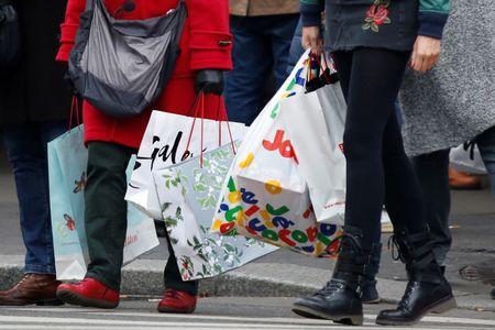 U.S. Consumer Spending Rises 0.4% in September
