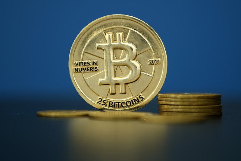 © Reuters.  Bitcoin continued to slide on Wednesday