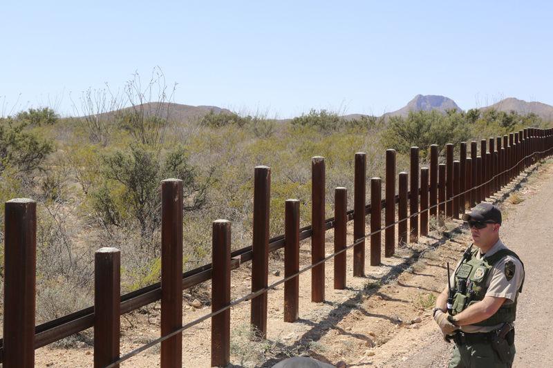 Trump: Send military to U.S.-Mexico border until wall built