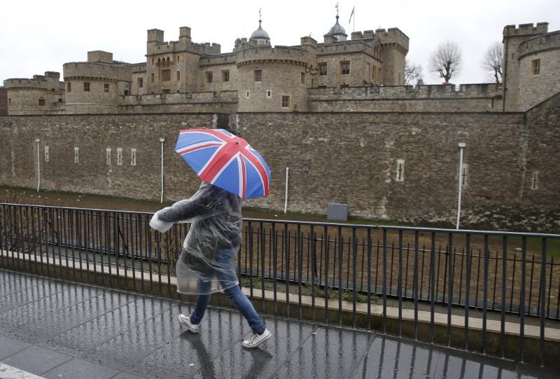 MÄRKTE-Brexit-Hickhack drückt Dax - Chipwerte im Minus Von Reuters