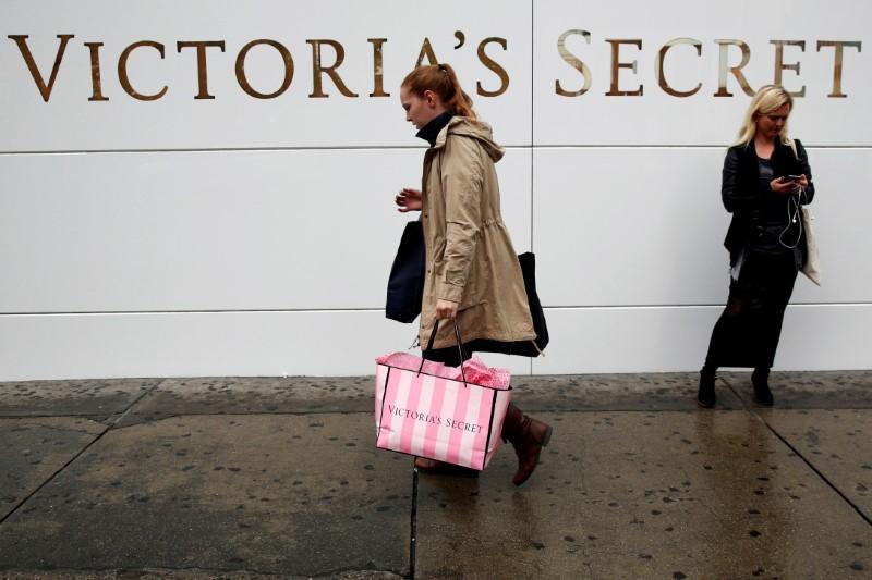 Victoria's Secret Owner Delivering on Turnaround Plans