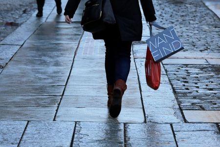 Las ventas minoristas del Reino Unido descienden repentinamente un 0,5% en octubre