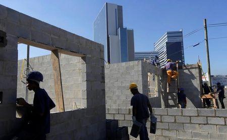 Indústria da construção civil registrou 50% de ociosidade em abril