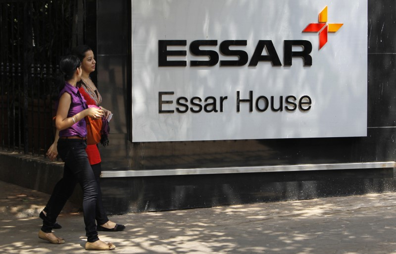 © Reuters.  UPDATE 1-India court dismisses Essar Steel appeal against bankruptcy proceedings