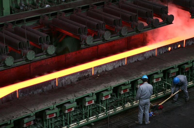 China's steel rebar ticks up, eyes weekly gain on infrastructure push