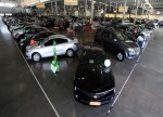 UPDATE 1-Canada retail sales rise less than expected in Sept; auto sales fall