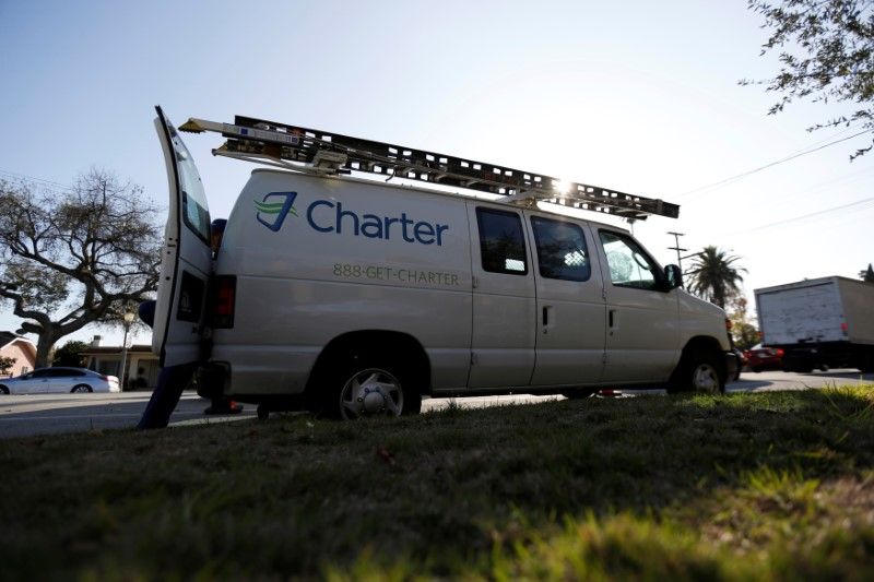 © Reuters.  Charter jumps on new report of SoftBank interest