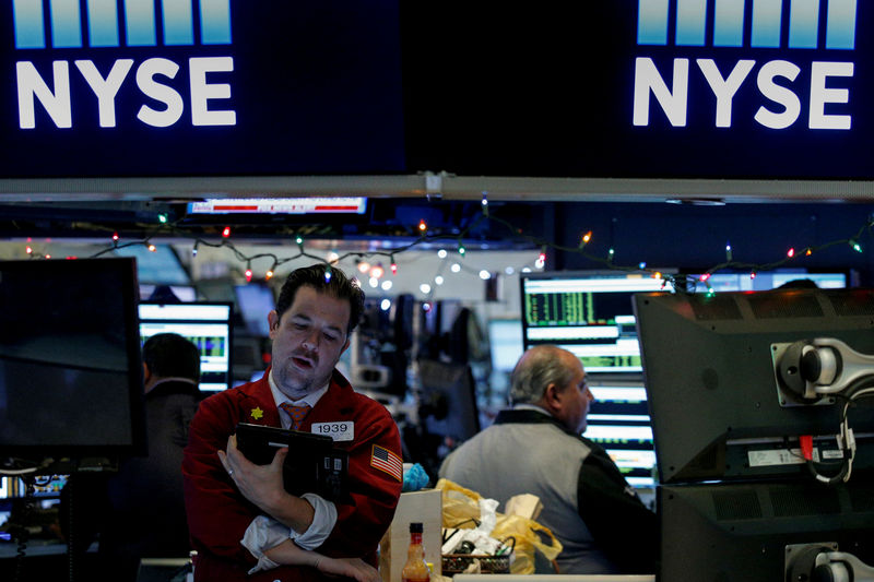 © Reuters.  Top 5 things to know in the market on Wednesday