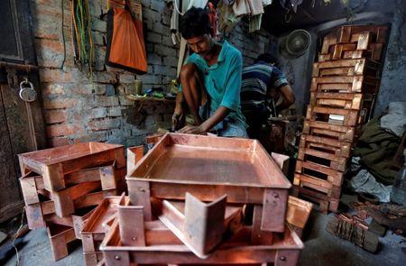 भारत को प्रोत्साहन योजना की जरूरत है या यह छोटे व्यवसायों को खतरे में डालती है