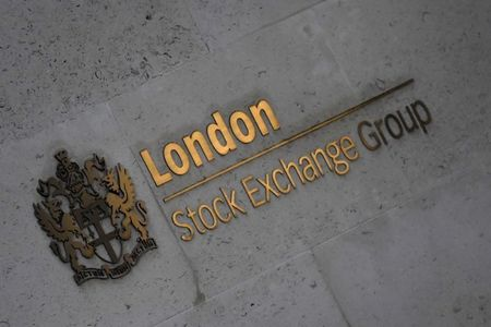 U.K. shares lower at close of trade; Investing.com United Kingdom 100 down 0.19%