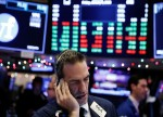 Stocks - Wall Street Struggles as Trade Worries Rise Again