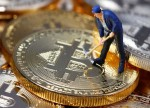 Bitcoin Turns Positive as Facebook Readies Defense of Libra Crypto