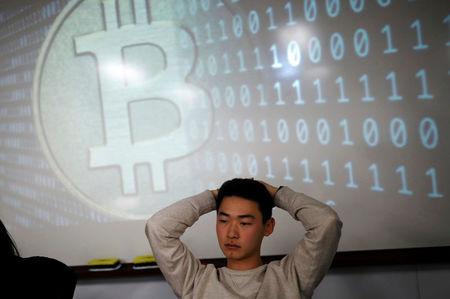 Ancora cali per le monete principali, Bitcoin scende a quota 8.300$