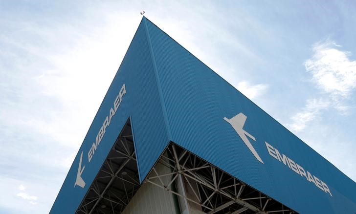 © Reuters.  Embraer avança com proximidade de conclusão de joint-venture com a Boeing