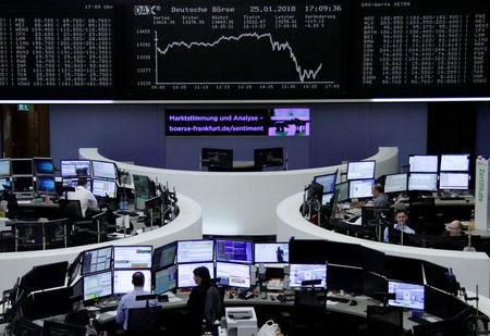 Ações europeias fecham em alta com salto de Stellantis e papéis de luxo