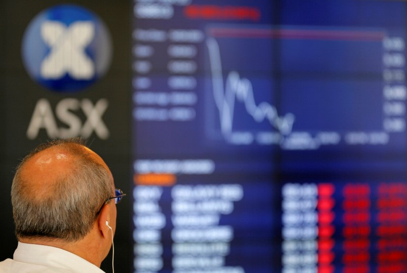 © Reuters. Australia stocks lower at close of trade; S&P/ASX 200 down 2.19%