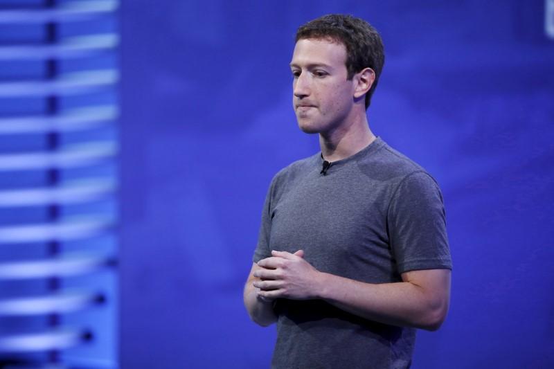 © Reuters.  Facebook đối diện những ngày tồi tệ nhất lịch sử