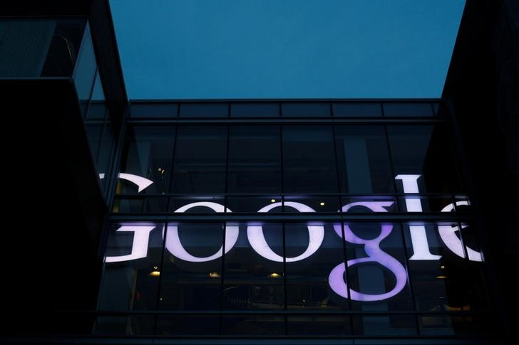 Apple vs. Google: Which FAANG Stock is a Better Buy?