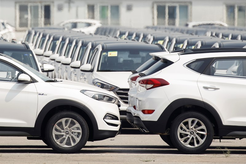 Luxurious automobiles, EVs to gasoline Hyundai's China, U.S. gross sales in 2021; This autumn revenue jumps By Reuters
