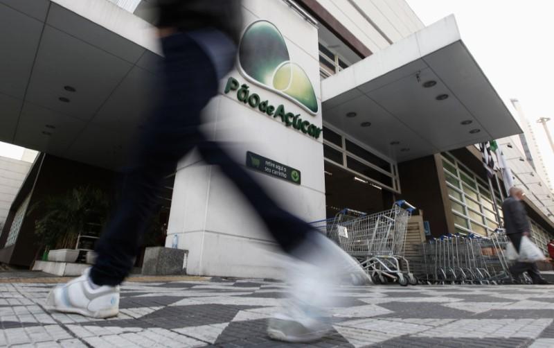 © Reuters.  Guide troca Banco do Brasil e Lojas Renner por WEG e Pão de Açúcar na carteira semanal