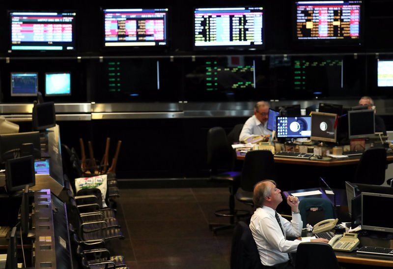 © Reuters.  La Bolsa de Buenos Aires cierra con una bajada del 1,04 %