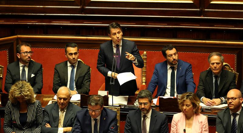 © Reuters.  Decreto dignità, Castelli: risolti nodi coperture. Più tasse su slot