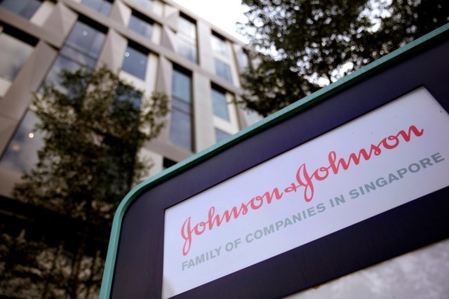 StockBeat - J&J Falls as Justice Department Launches Probe Into Talc Cancer Claims