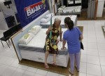 Via Varejo lidera ganhos do Ibov; site diz que oferta de ações seria de R$ 2,5 bi