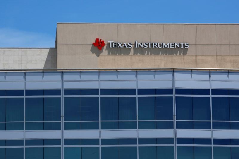 Texas Instruments Falls 4.01%
