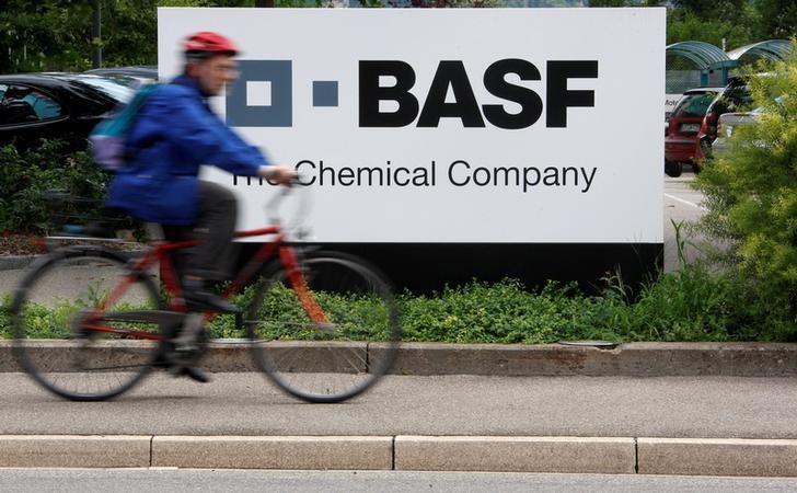 BASF gewinnt weitere Partner für Milliardenprojekt in Indien Von Reute