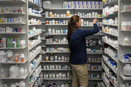 Com lucro 20% menor no trimestre, Profarma tem queda de mais de 6%