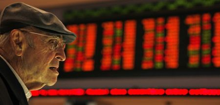 Com fluxo, Bolsa emenda terceiro ganho, em alta de 0,32%
