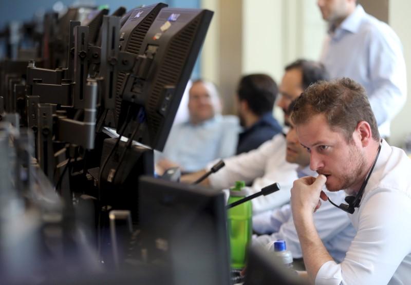 © Reuters.  Saldo de investimento estrangeiro avança para R$ 158,2 milhões em outubro