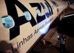 Azul intensifica queda após fundador manifestar interesse na Avianca Brasil