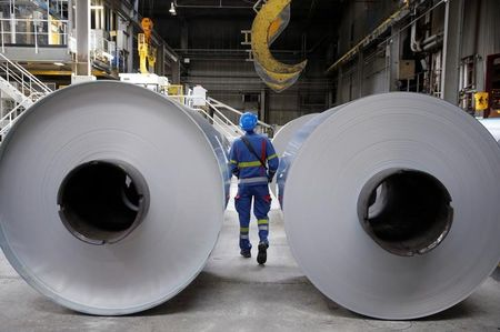 Norsk Hydro to cut aluminium output by 20% at Slovak plant due to weak demand