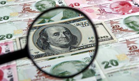 Τουρκία- Σε νέο χαμηλό ρεκόρ έναντι του δολαρίου υποχωρεί η λίρα